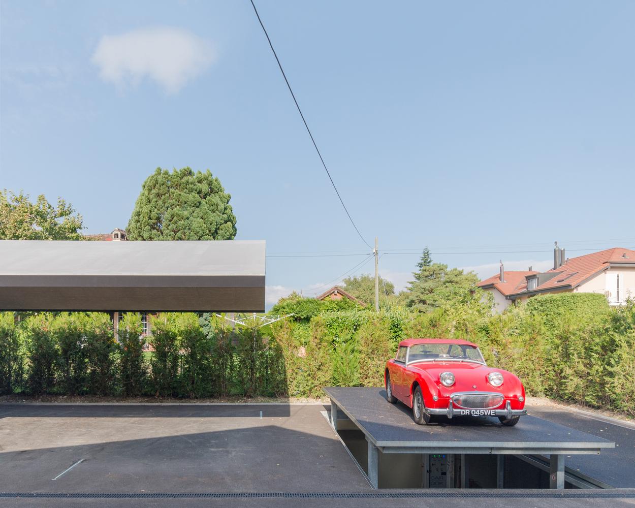 Дизайн гаража с навесом