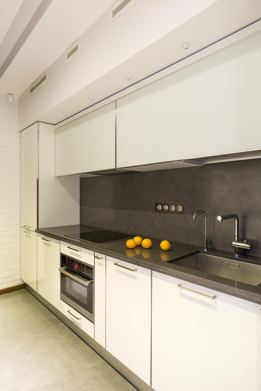 Интерьер квартиры с управляемой подсветкой