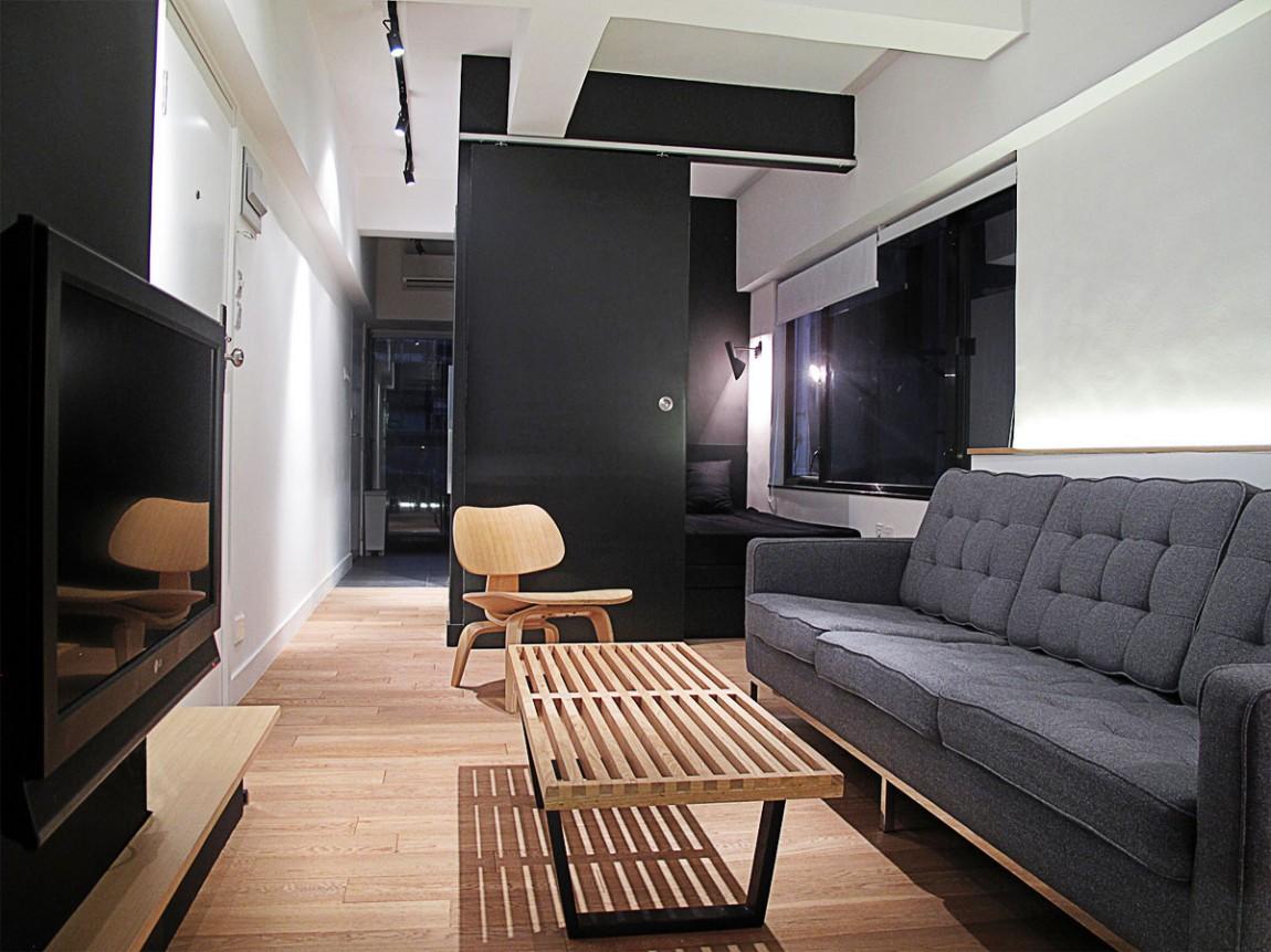 Гостиная узкой квартиры в Гонконге