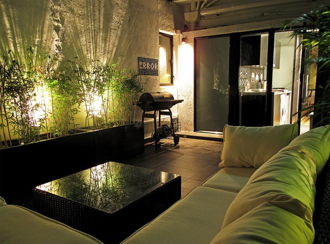 Интерьер узкой квартиры в Гонконге