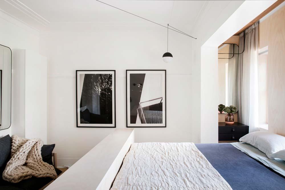 Дизайн интерьера маленькой квартиры в Сиднее - спинка-подставка