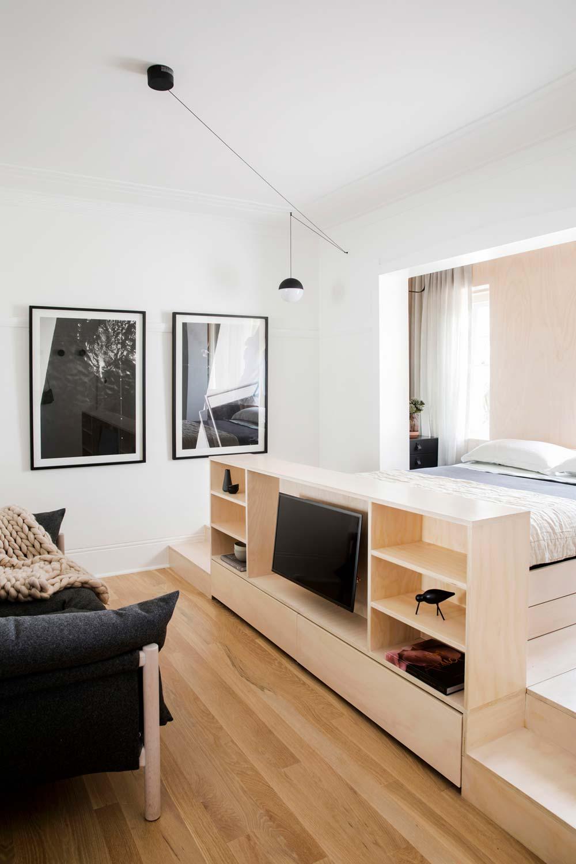 Дизайн интерьера маленькой квартиры в Сиднее - телевизор
