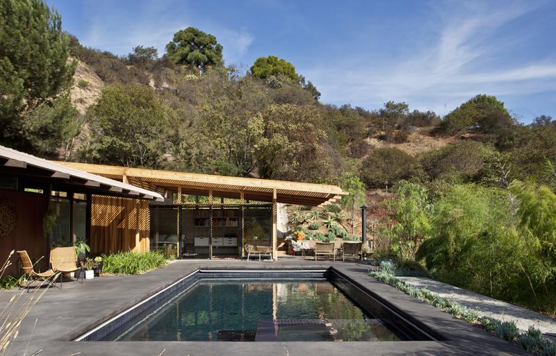 Дизайн небольшого дома с бассейном
