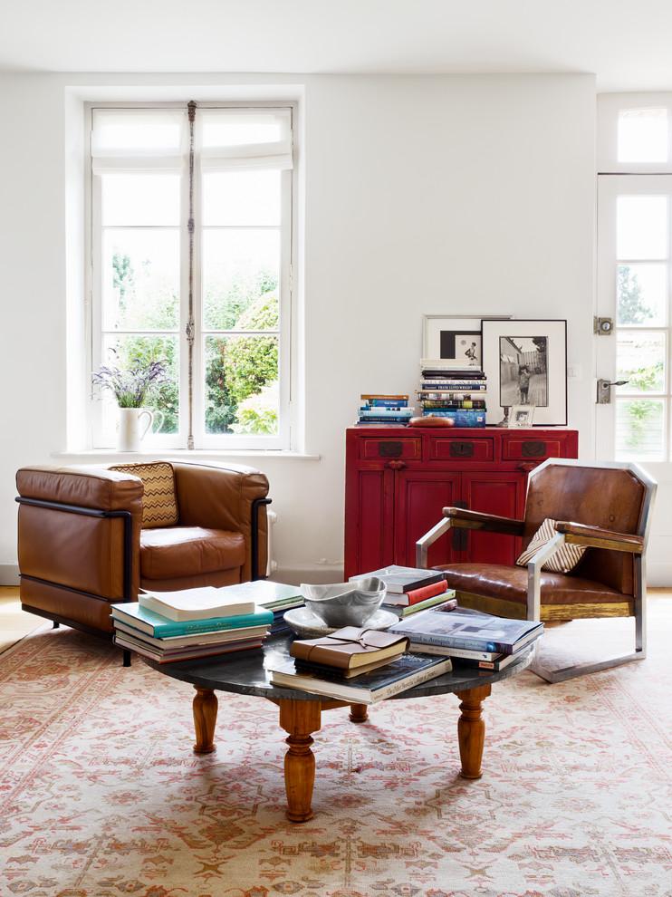 Кресла в гостиной