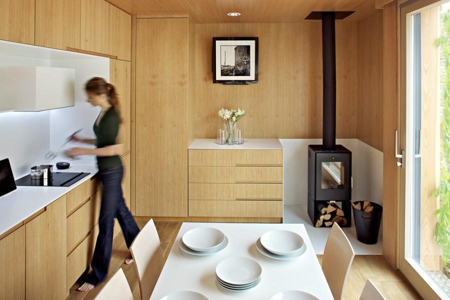 Дизайн крошечной квартиры с камином
