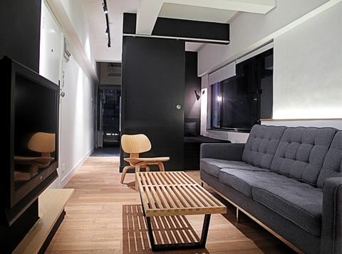 Дизайн крошечной квартиры в чёрно-белом цвете