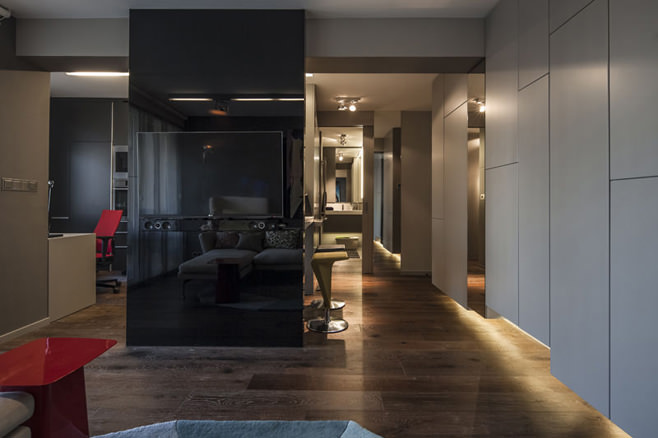 Гостиная стильной квартиры для холостяка