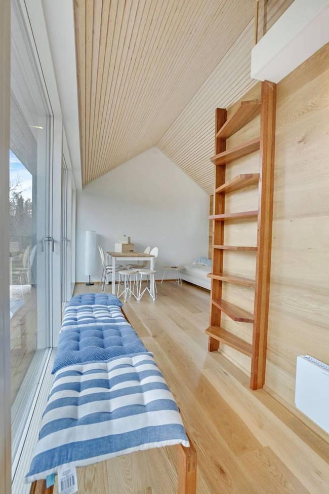 Необычная лестница в маленьком частном доме