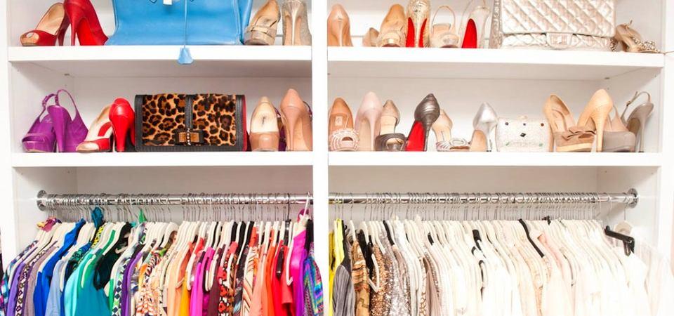 Открытый шкаф для одежды и обуви