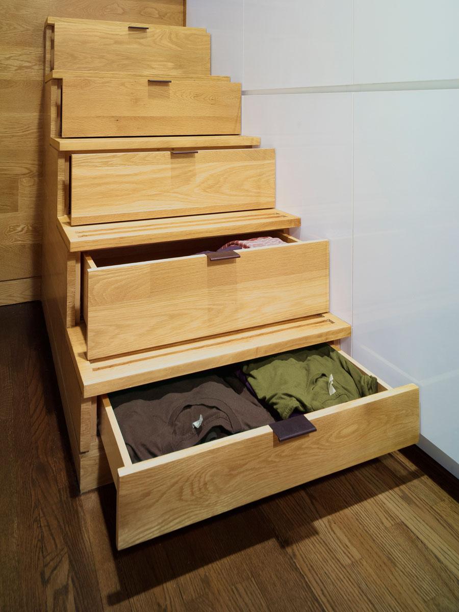 Система хранения в ступеньках лестницы