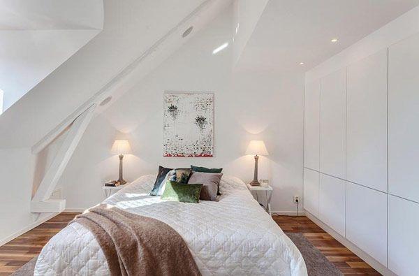 Уютная спальня в мансарде