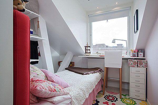 Спальня и кабинет в мансардном помещении