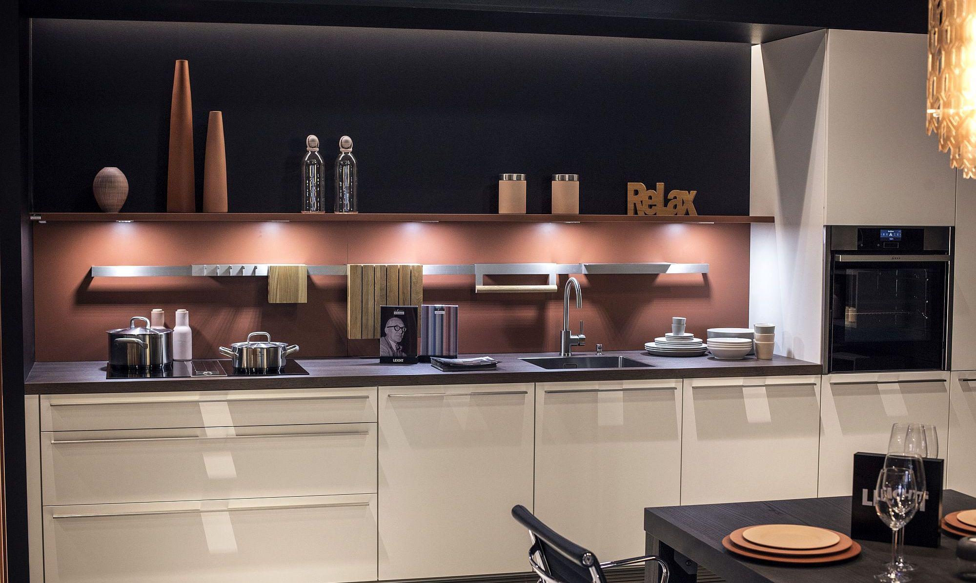 Дизайн интерьера и мебели для маленькой кухни
