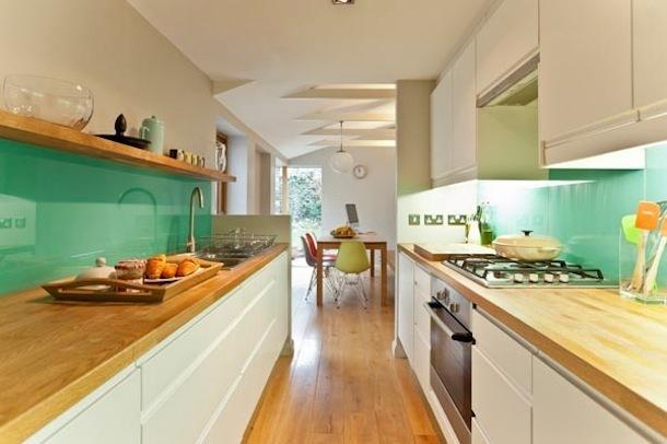 Интерьер двурядной кухни