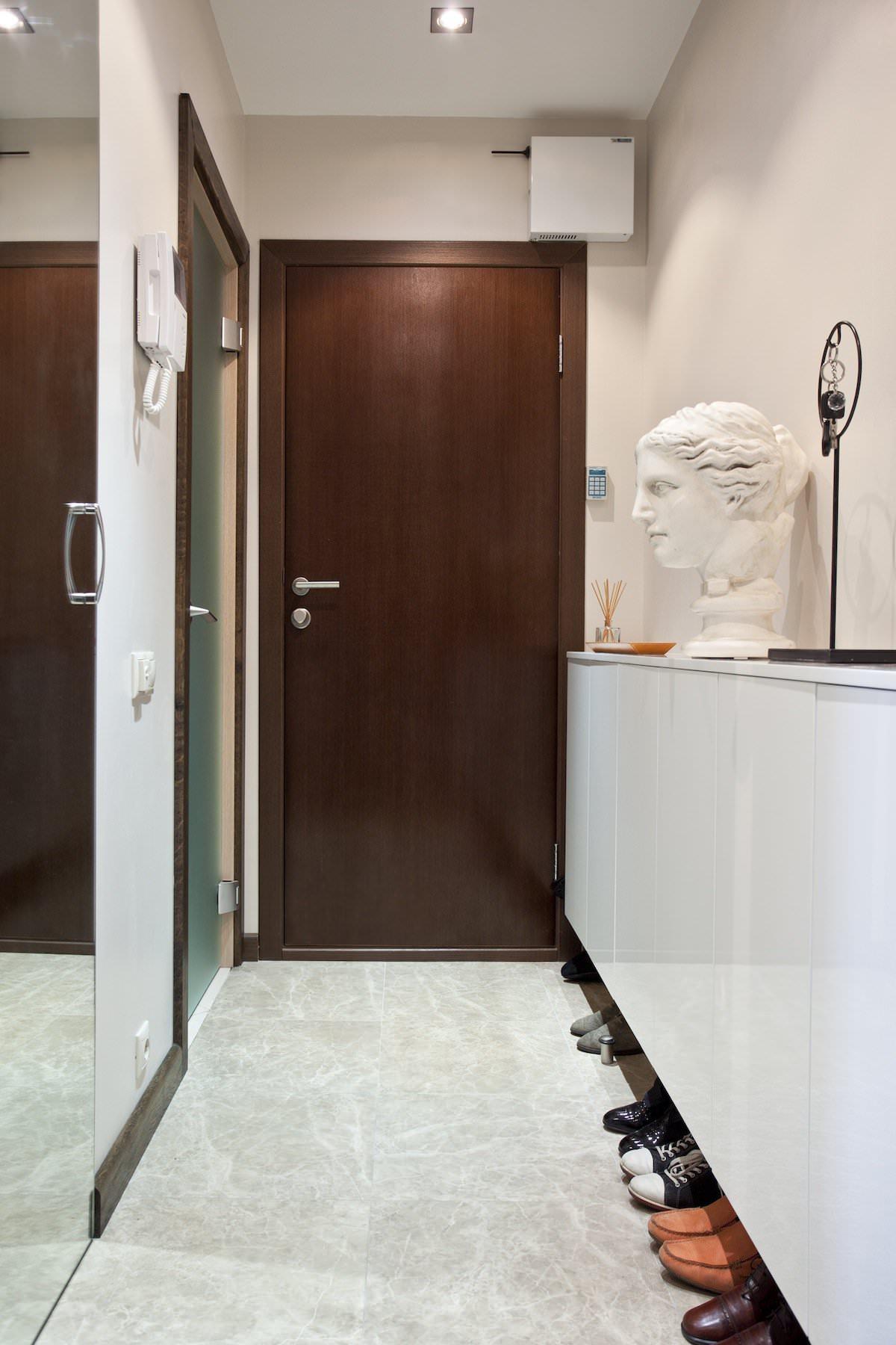 Прихожая стильной квартиры в Москве