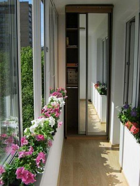 Дизайн оформления узкого балкона