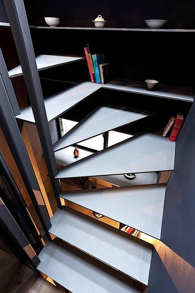 Дизайн узкого дома: открытые полки