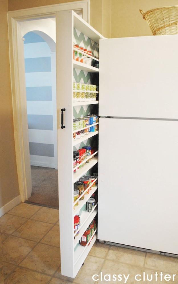 Выдвижная кладовка за холодильником