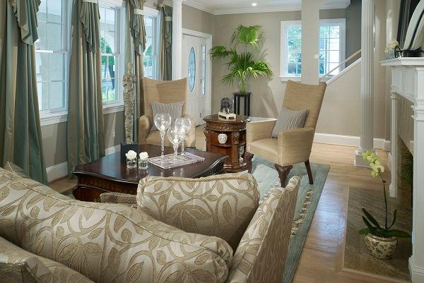 Маленький интерьер светлой гостиной