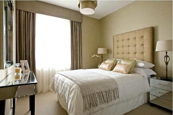 Маленький интерьер роскошной спальни