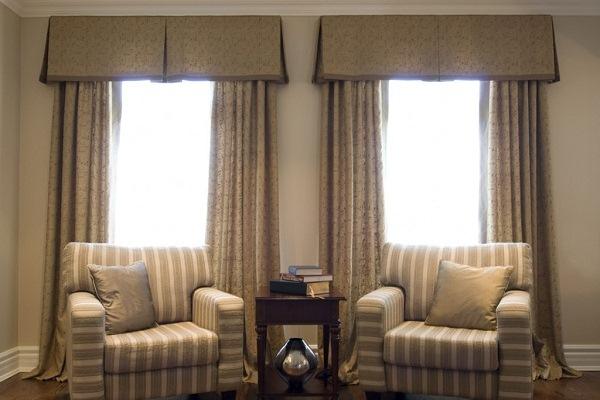 Большие окна в маленьком интерьере