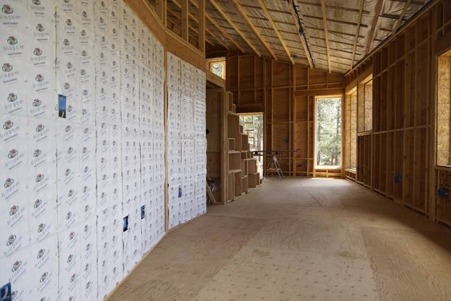 Дом для холодного климата в Колорадо. Строительство в самом разгаре