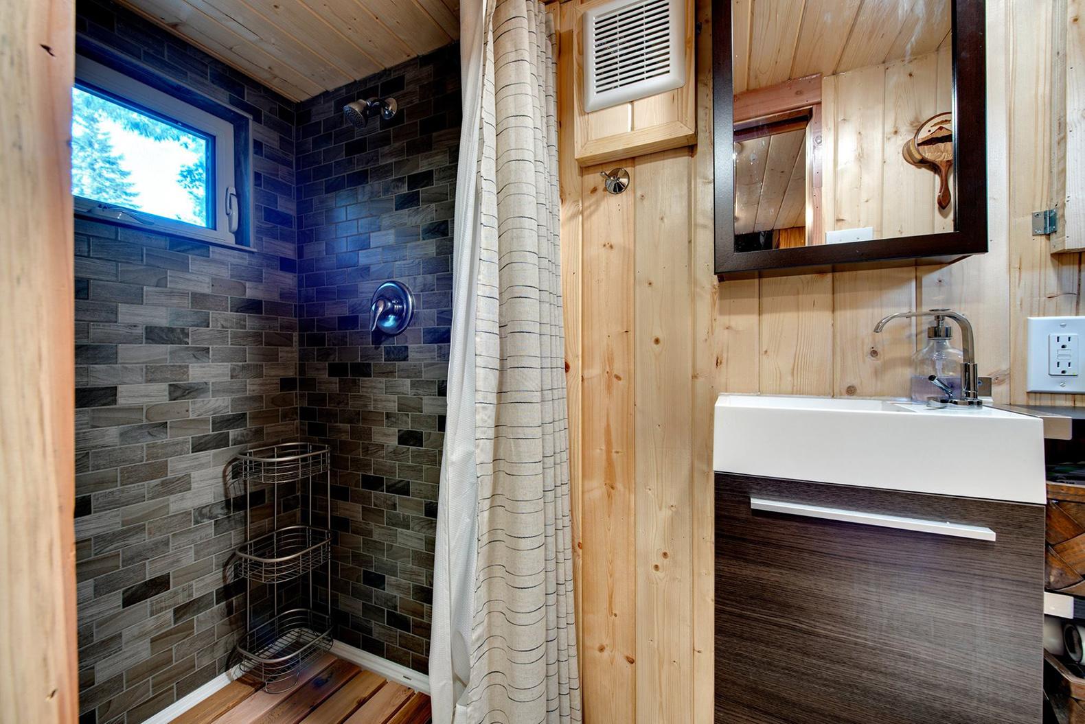 Интерьер дома для семьи с питомцами