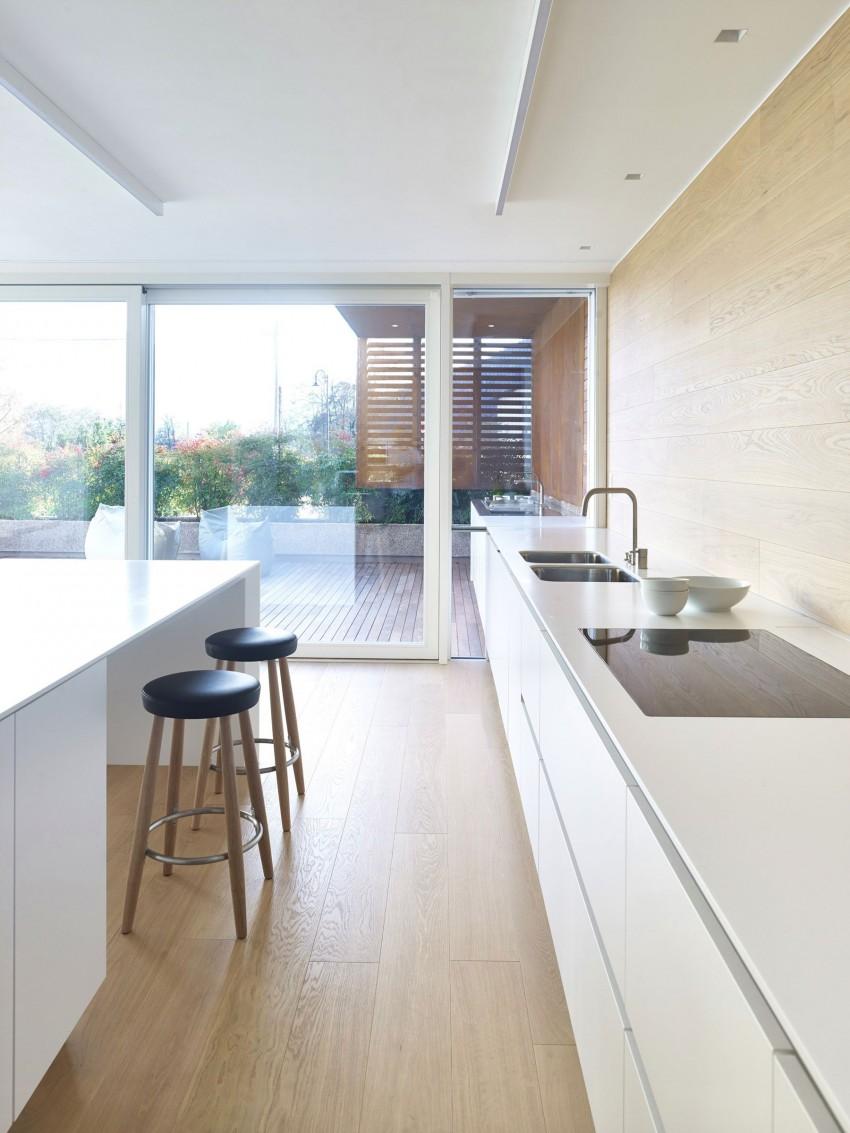 Кухня особняка MP от Burnazzi Feltrin Architetti