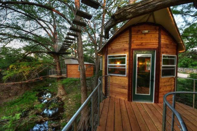 Дом на дереве для отдыха от ArtisTree. Живописный вид окружающей природы