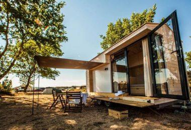 Дизайнер Христина Христова из Болгарии придумала этот дом на колёсах для отдыха