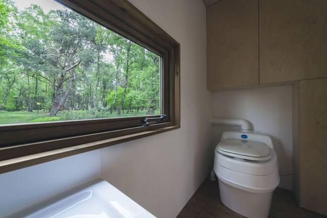 Ванная в загородном доме на колёсах