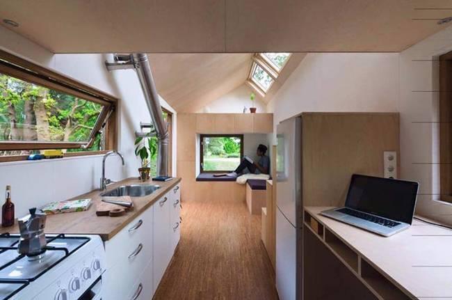 Кухня в загородном доме на колёсах