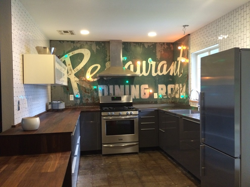 Интерьер маленькой кухни в промышленном стиле