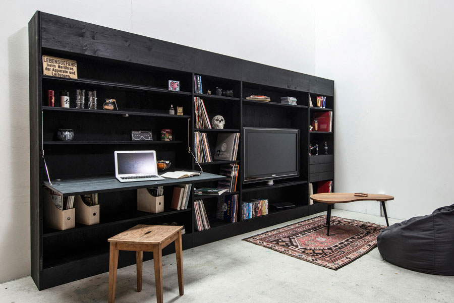 Рабочий уголок для маленькой квартиры