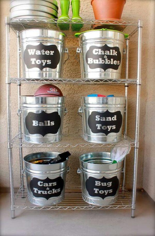 Практичные ведра для хранения гаражной утвари