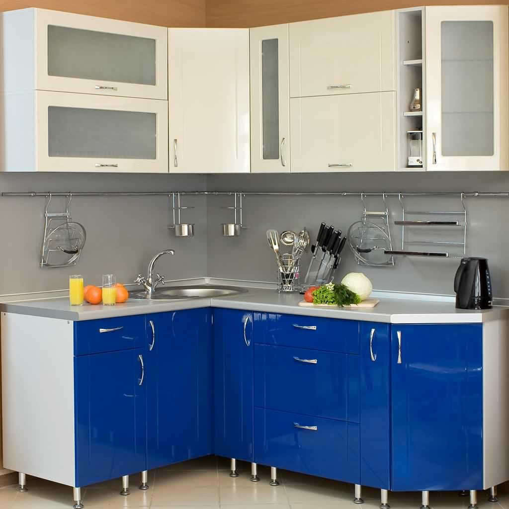 Современный кухонный гарнитур угловой формы