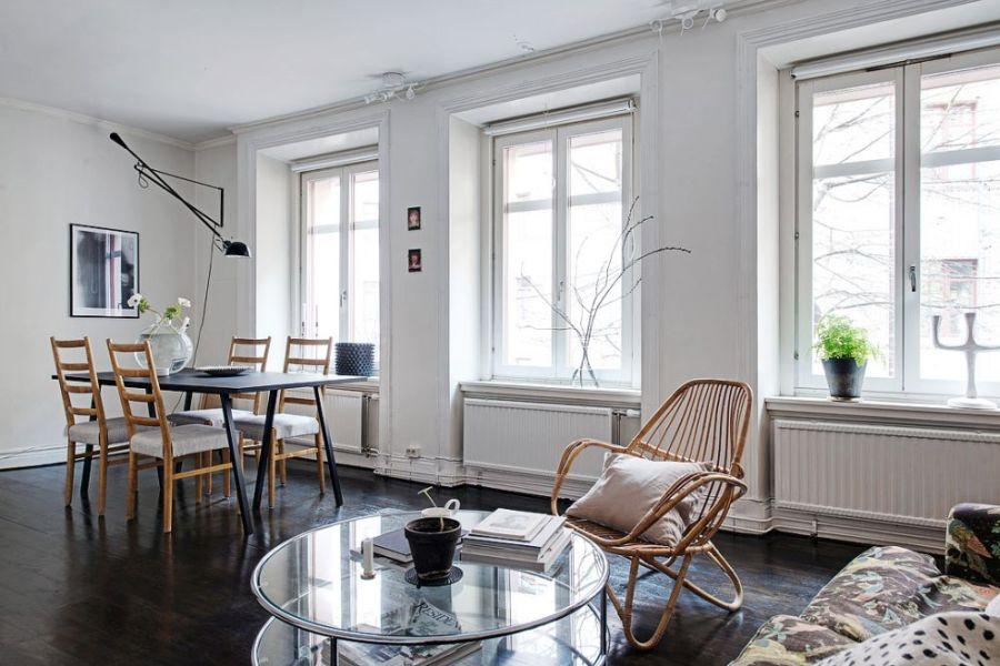 Плетёное кресло в гостиной
