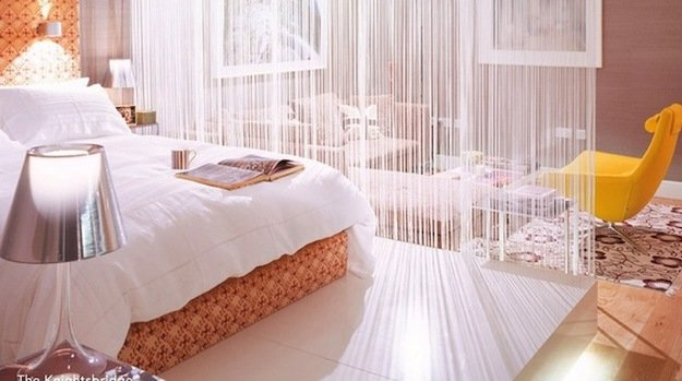 Маленькая светлая спальня гостиная