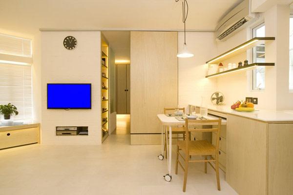 Раздвижная дверь в квартире-студии