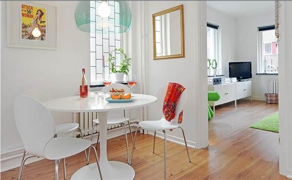 Интерьер столовой маленькой квартиры
