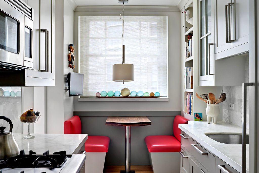 Интерьер двухрядной кухни