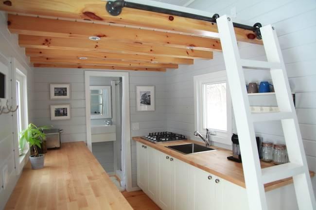 Готовый проект мини-дома: удобная мебель