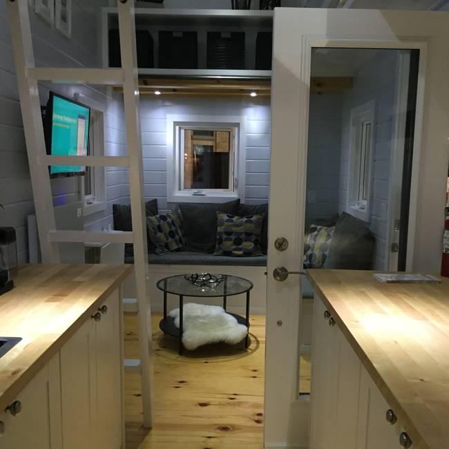Готовый проект мини-дома. Чердак в стиле лофт