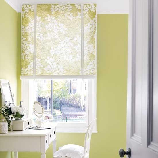 Высокое окно в кабинете
