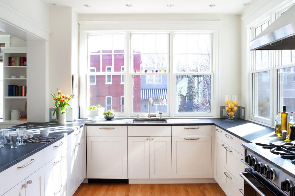 кухни у окна фотогалерея рамке придают темный