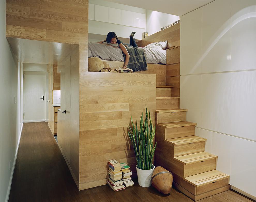 Двухуровневая кровать в квартире-студии