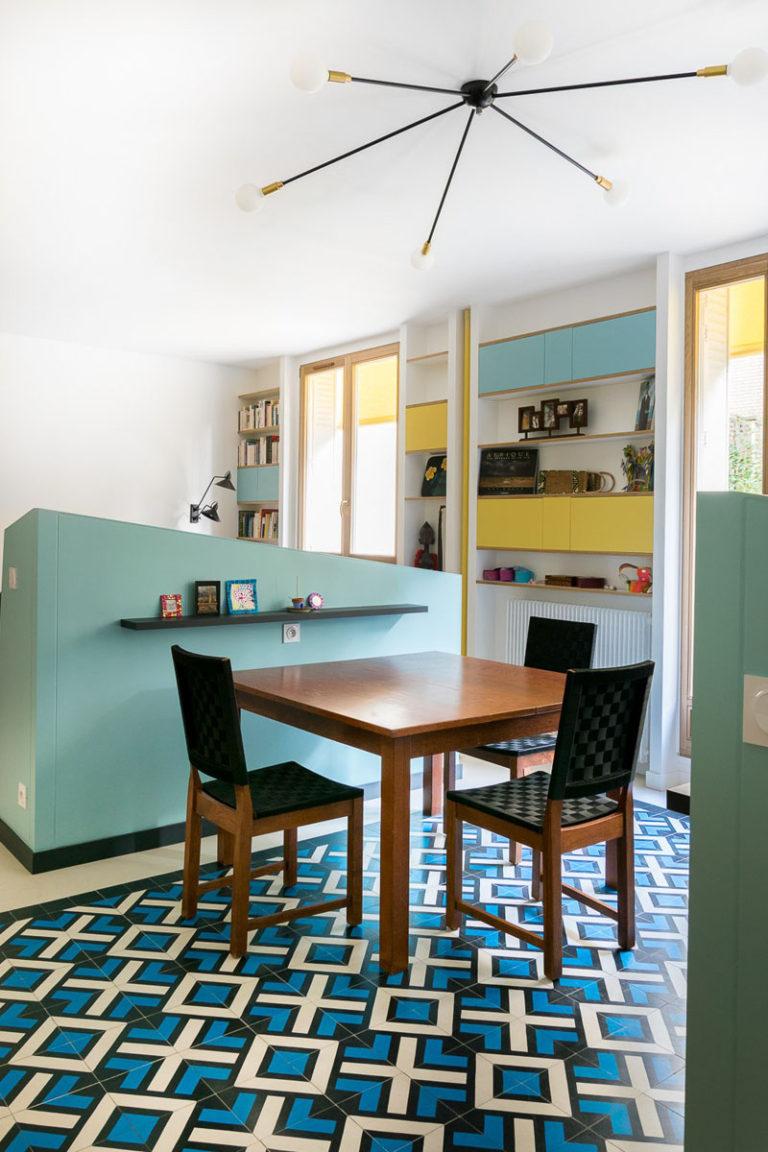 Идея интерьера столовой для маленьких квартир от MAEMA Architects