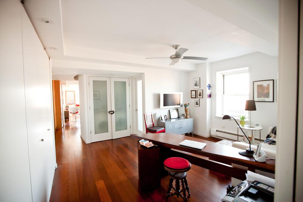 Кабинет квартиры с видом на Бруклин
