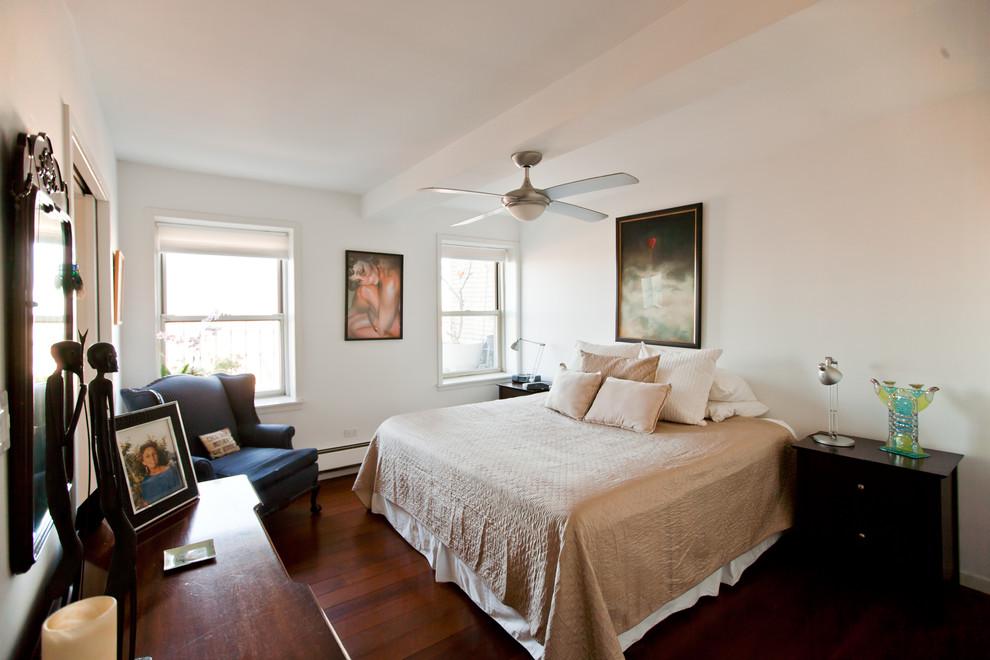 Спальня квартиры с видом на Бруклин