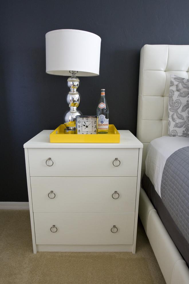 Мебель цвета слоновой кости в спальне